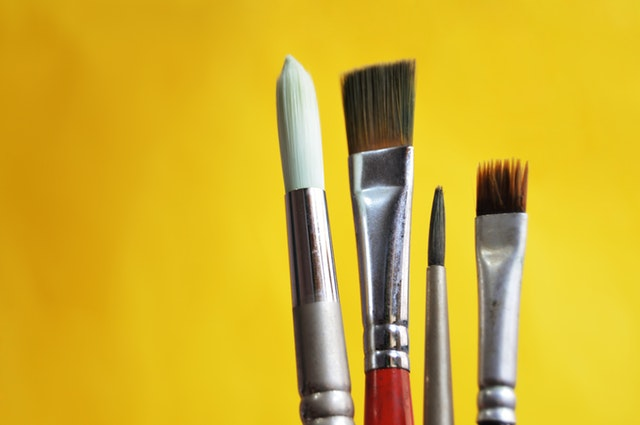 Can you Use the Same Brushes for oil and Acrylic?